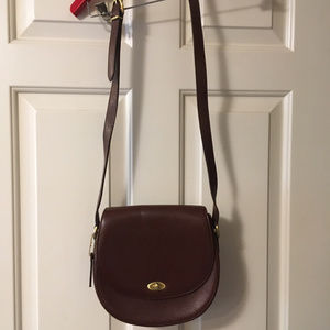 Excellent condition classic Coach leather handbag